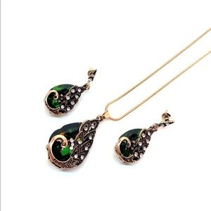 Jewelry - Peacock Green Crystal Necklace Earrings Set